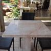 โต๊ะหินอ่อนสี่เหลี่ยม ขนาด กว้าง 80 เซนติเมตร ยาว 80 เซนติเมตร สูง 80 เซนติเมตร (ไม่รวมเก้าอี้)