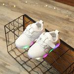 รองเท้าเด็ก สีขาว มีไฟกระพริบ พื้นยางกันลื่น รองเท้าแฟชั่นเกาหลี รองเท้ากีฬาเด็ก สไตล์สปอร์ต รองเท้าเด็กชาย รองเท้าเด็กหญิง รองเท้าเด็กเล็ก พร้อมส่ง 4 - 6 ขวบ