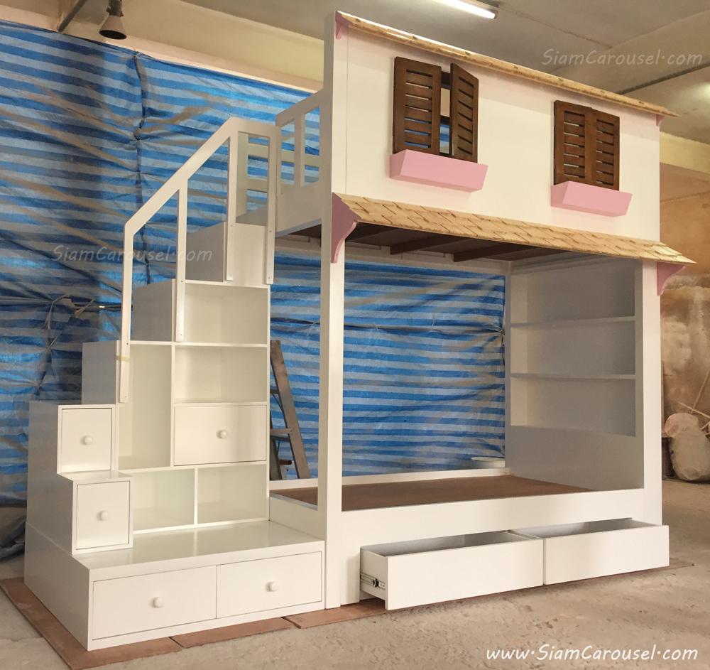 เตียง 2 ชั้น 2 ลิ้นชัก Display ทรงบ้านหลังคา 2 แผง ของคุณอ้อม เกาะพงัน จ.สุราษฎร์ธานี