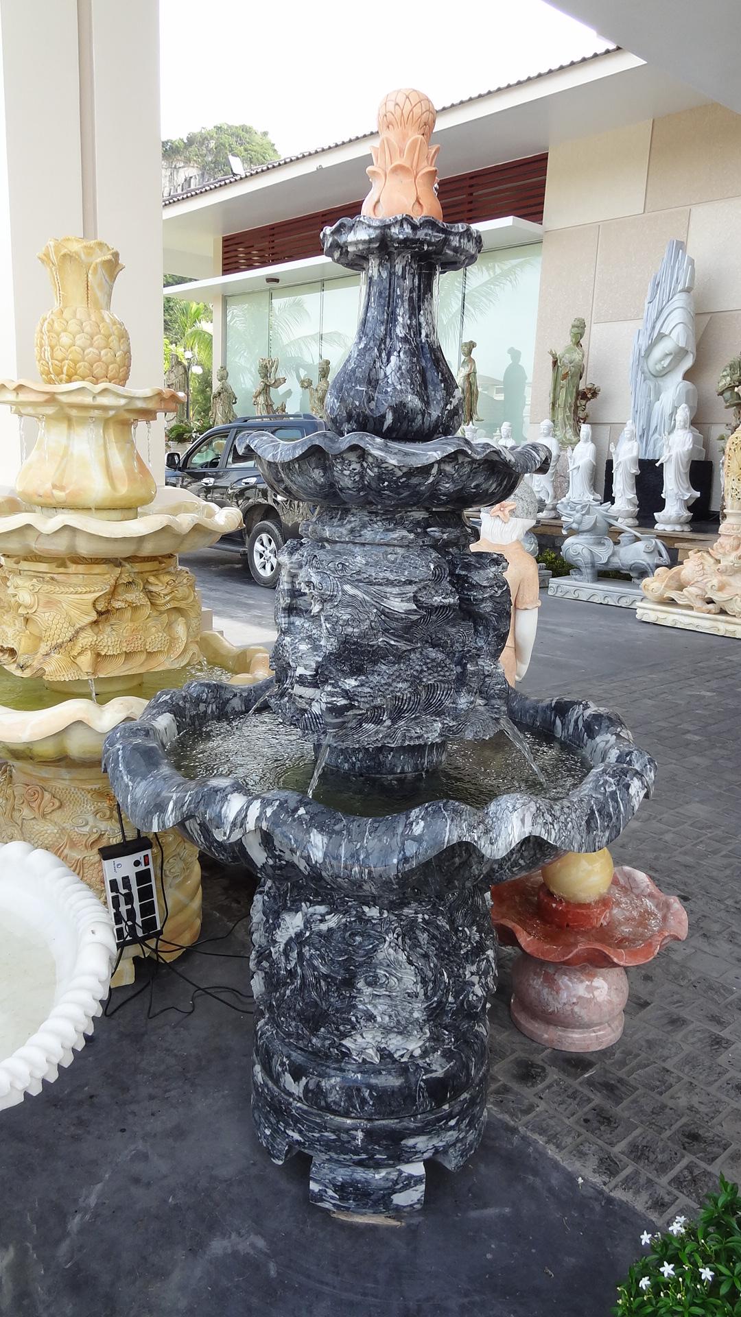 น้ำตก อ่าง 3 ชั้น หินอ่อน สูง 1.6 เมตร หินสีดำ