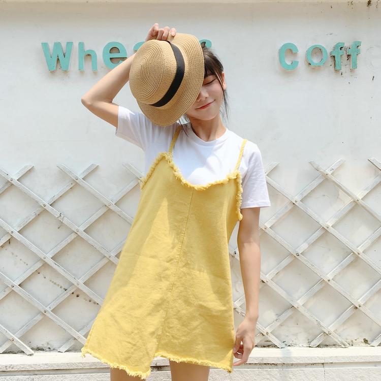 เดรสยีนส์แฟชั่นขอบรุ่ย สายเดี่ยว สีเหลืองน่ารักสดใส พร้อมเสื้อยืดสีขาว