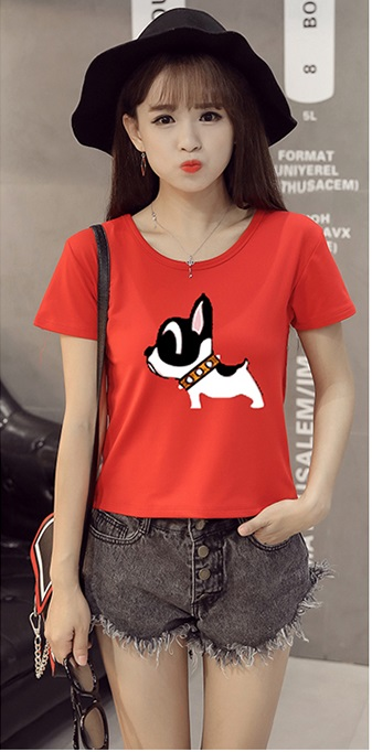 เสื้อยืด แขนสั้น พิมพ์ลายน้องหมาหน้าอกสีแดง