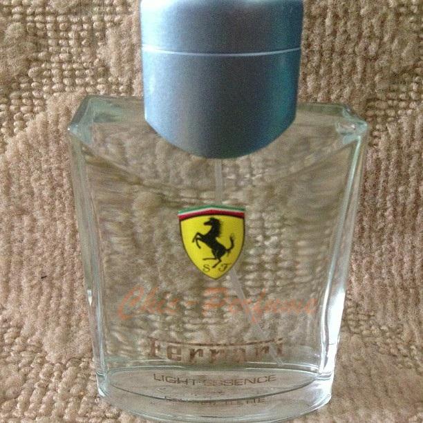 น้ำหอม Ferrari Light Essence