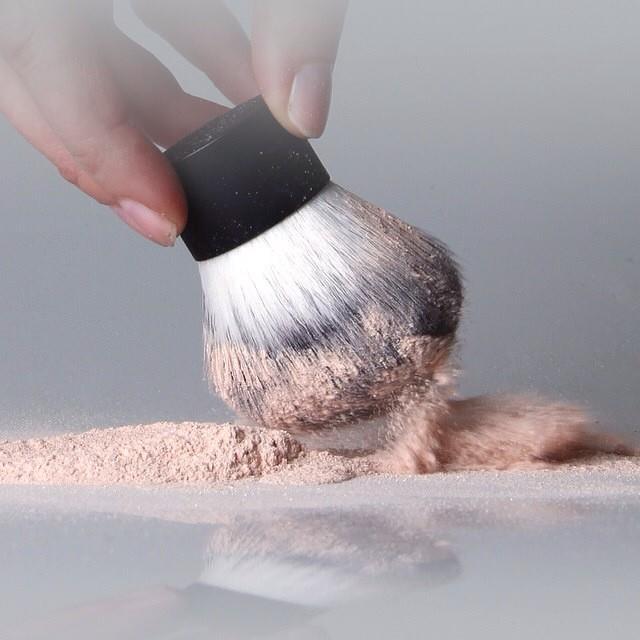 **พร้อมส่งค่ะ** e.l.f. Studio Kabuki Face Brush
