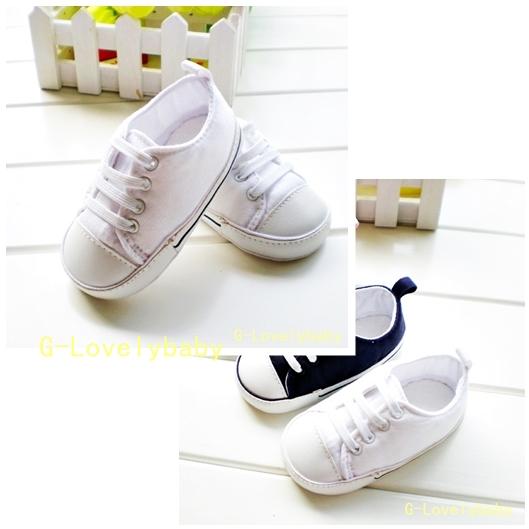 รองเท้าเด็ก รองเท้าเด็กวัยหัดเดิน สีขาว พื้นรองเท้าลายโลโก้ oldnavy รองเท้าเด็กแบรนด์เนม Old Navy Pre walker baby shoes