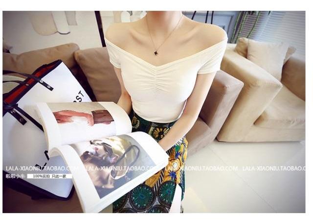 เสื้อยืด และกระโปรงผ้าชีฟองผ่าหน้า สีขาว (ขายแยกชิ้น)