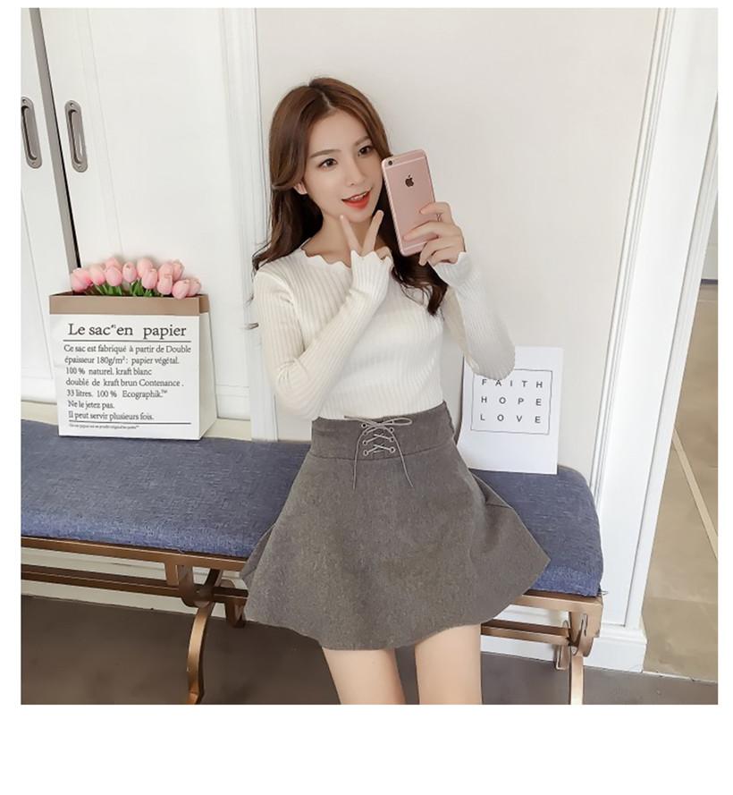 เสื้อแฟชั่นเกาหลี คอและปลายแขนลายหยัก สีขาว