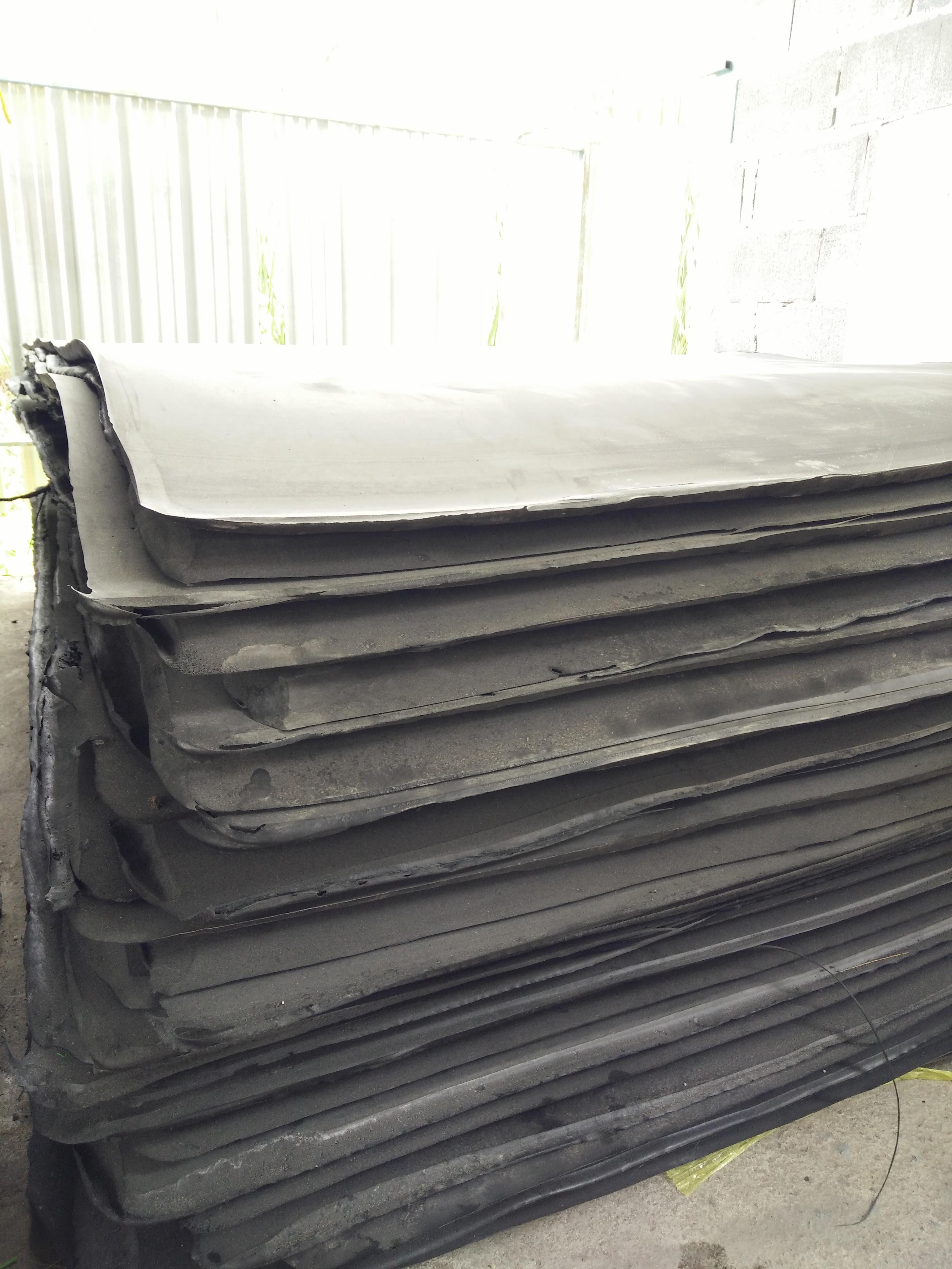 แผ่นยางกันกระแทก ขนาด 140 x 240 ซม.หนา 15 มม.