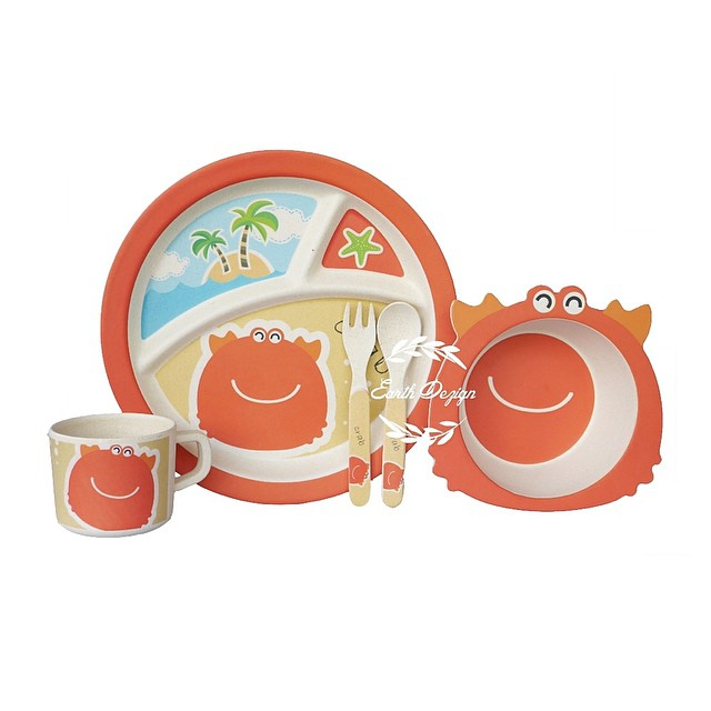 Earth Dezign ชุดผลิตภัณฑ์จานชามสำหรับเด็ก จากเยื่อไผ่ ปลอดภัยสำหรับเด็ก 5 ชิ้น