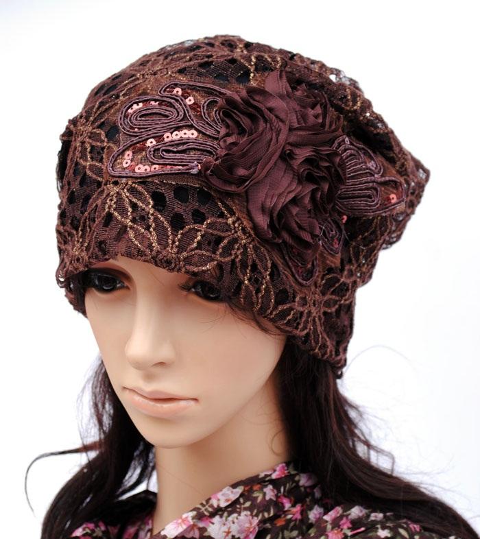 (Pre-order) หมวกคลุมผม หมวกไหมพรมผ้าฝ้ายถัก แฟชั่นหมวกคลุมผม สวยเก๋ ปักลวดลายตาข่าย-ดอกไม้ สีน้ำตาล