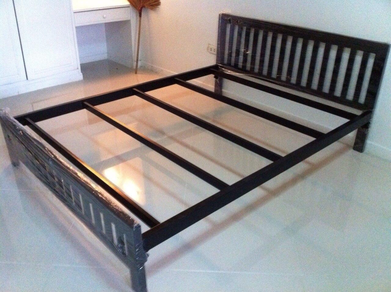 เตียงเหล็ก เหลี่ยม สีดำ