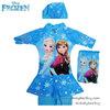 ( For Kids ) - Swimsuit for Girls ชุดว่ายน้ำ เด็กผู้หญิง Disney Frozen ชุดว่ายน้ำบอดี้สูท เสื้อแขนยาว กระโปรงกางเกงขาสั้น สีฟ้า ลาย เจ้าหญิง อันนา เจ้าหญิงเอลซ่า มาพร้อมหมวกว่ายน้ำและถุงผ้า สุดน่ารัก ใส่สบาย ชุดว่ายน้ำเด็กผู้หญิง
