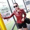 พร้อมส่ง เสื้อแจ็คเก็ตหนังผู้หญิง สีแดง แต่งซิปหน้าและกระเป๋า ปกสูท แขนยาว แฟชั่นเสื้อกันหนาวสไตล์เกาหลี