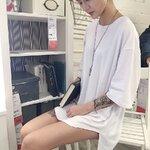 [พร้อมส่ง] เสื้อยืดเปล่าแขน 5 ส่วนทรงหลวม มีสีขาว/เทา