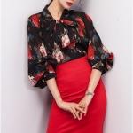 Pre-order เสื้อผ้าชีฟองย่น คอกลม ผูกโบว์ แขนพอง แขนยาว พิมพ์ลายดำ-แดง เสื้อผ้าแฟชั่นเกาหลี