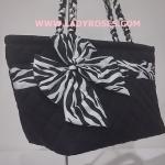 กระเป๋าสะพาย นารายา ผ้าคอตตอน นาโน สีดำ ลายม้าลายขาว-ดำ สายหิ้วเกลียว Size L (กระเป๋านารายา กระเป๋า NaRaYa กระเป๋าผ้า)