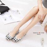 รองเท้าคััชชู ผ้าลายชิโนริ ประดับโบว์ผูกน่ารักๆ