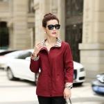 Pre-Order เสื้อแจ็คเก็ตผู้หญิง แขนยาว สีแดง ติดซิปหน้า คอปกแต่งผ้าลายสก็อต