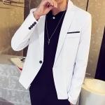 Pre-Order เสื้อสูทผู้ชาย แขนยาวผ้าฝ้ายผสม มีกระเป๋าเจาะที่อกซ้าย ติดกระดุมเม็ดเดียว แต่งริมกระเป๋าผ้าลายจุด แฟชั่นสูทสไตล์เกาหลี สีขาว