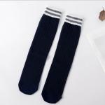 ถุงเท้าเด็กแบบยาว สีน้ำเงิน สไตล์ถุงเท้ากีฬา