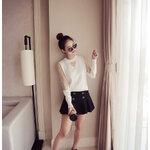 เสื้อแฟชั่นเกาหลี แต่งซีทรูคอและแขนตามภาพ สีขาว