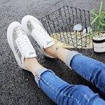 รองเท้าผ้าใบแต่งกลิตเตอร์วัสดุเนื้อยางอย่างดี เสริมส้นนิดหน่อย ใส่แล้วไม่มีเอ้าท์ สวมง่ายสบายเท้า