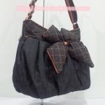กระเป๋าสะพาย นารายา ผ้าเดนิม สียีนส์เข้ม ขอบส้ม ประดับโบว์ด้านหน้า (กระเป๋านารายา กระเป๋าผ้า NaRaYa กระเป๋าแฟชั่น)