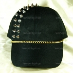 หมวกแก๊ป Cap สีดำ แต่งหมุดหนามสีเงิน 2 แถว ร้อยโซ่