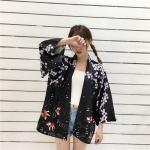 [Preorder] เสื้อคลุมกิโมโนสไตล์ญี่ปุ่นลายดอกไม้ปลาทอง