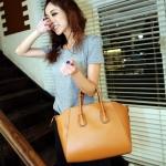(Pre-Order) กระเป๋าแฟชั่น กระเป๋าสะพายขนาดใหญ่ กระเป๋าแฟชั่นเกาหลี แฟชั่นกระเป๋าสไตล์เกาหลี ปี 2013 สีน้ำตาล