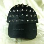 หมวกแก๊ป Cap สีดำ แต่งหมุดหนามสีเงิน สุดเท่ห์