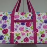 กระเป๋าเดินทาง นารายา Size L ทรงสี่เหลี่ยม ผ้าคอตตอน พื้นสีขาว ลายดอกไม้ หลากสี (กระเป๋านารายา กระเป๋า NaRaYa กระเป๋าผ้า)