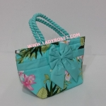 กระเป๋าถือ นารายา Summer Size S ผ้าคอตตอน สีเขียว ลายดอกไม้ ผูกโบว์ สายหิ้ว หูเกลียว (กระเป๋านารายา กระเป๋าผ้า NaRaYa กระเป๋าแฟชั่น)