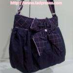 กระเป๋าสะพาย นารายา ผ้าเดนิม สียีนส์-ม่วง ประดับโบว์ด้านหน้า (กระเป๋านารายา กระเป๋าผ้า NaRaYa กระเป๋าแฟชั่น)