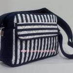 กระเป๋าสะพาย นารายา ทรงสี่เหลี่ยม ผ้าคอตตอน ลายทาง น้ำเงิน-ขาว (กระเป๋านารายา กระเป๋าผ้า NaRaYa กระเป๋าแฟชั่น)