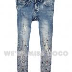 Pre-Order กางเกงยีนส์เอวต่ำ ฟอกสี ขาสี่ส่วน เนื้อผ้านิ่ม เนื้อบาง ปักเพชร