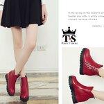 รองเท้าบู๊ทหุ้มข้อ Style Valentino วัสดุหนังพียูอย่างดี