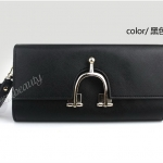 (Pre-Order) กระเป๋าคลัช สีดำ มีห่วงด้านหน้า กระเป๋าแฟชั่นเกาหลี แฟชั่นกระเป๋าสไตล์เกาหลี สีดำ