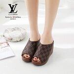 รองเท้า STYLE LOUIS VUITTON หนังนิ่ม รุ่นนี้ทรงสวยใส่แล้วเก็บหน้าเท้า มาพร้อมพื้นบุนิ่มตีแบรนด์