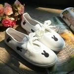 รองเท้าผ้าใบ สกรีนรูปกระต่าย เชือกโบว์น่ารักๆ เข้าได้กับทุกลุคทุกสไตส์