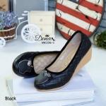 รองเท้าคัชชู ทำจากผ้าลายชิโน จับแมทกับชุดก็ง่าย ทรงสวย สวมใส่ง่าย
