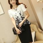 Pre-Order ชุดเดรสทำงานเข้ารูป สีขาว - ดำ พิมพ์ลายดอกไม้ที่เสื้อ กระโปรงดำ แฟชั่นเกาหลีสวย ๆ