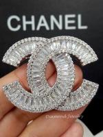 พร้อมส่ง ~ เข็มกลัด/จี้ แบรนด์ Chanel งานเพชร CZ แท้ เพชรเกรด 6A ค่ะ