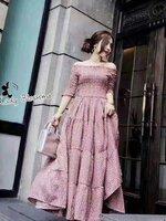 เดรสแฟชั่น Maxi Dress เดรสยาวเปิดไหล่ลายดอกไม้เล็กเต็มตัว