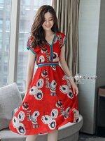 เดรสแฟชั่น ชุดเดรสเกาหลีสีแดงสวยๆ ผ้าเนื้อหนานุ่มและมีน้ำหนัก ใช้ผ้าเกรดเอ