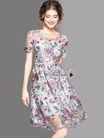 เดรสแฟชั่น เดรสทรงแขนสั้น ดีเทลผ้าปักดอกไม้โทนชมพูเทาสวยหรูดูแพง