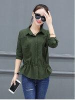KTFN เสื้อแฟชั่นเกาหลี กระดุมหน้ามีกระเป๋าหน้าอก เอวรูปปรับได้ สีเขียวขี้ม้า
