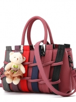 BCYกระเป๋าหนังแฟชั่นเกาหลี สะพายไหล่ ดีเทลลายขัดสานตามภาพ มีน้องหมีตกแต่ง สีชมพูกะปิ