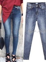 กางเกงแฟชั่น กางเกงยีนส์เอวสูง รุ่นนี้ฟอกสีสวยมาก ผ้ายีนส์เนื้อแน่น