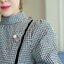 KTFN เสื้อแฟชั่นเกาหลี แขนตุ๊กตา ลายสก๊อต สายผูกเอวแยกชิ้น ซิปด้านหลัง พร้อมเข็มกลัด สีดำ thumbnail 9